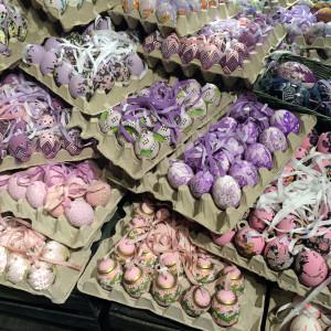Ostereier in schönen Farben