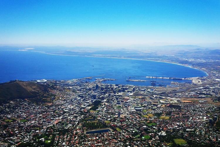 Blick vom Tafelberg auf Kapstadt