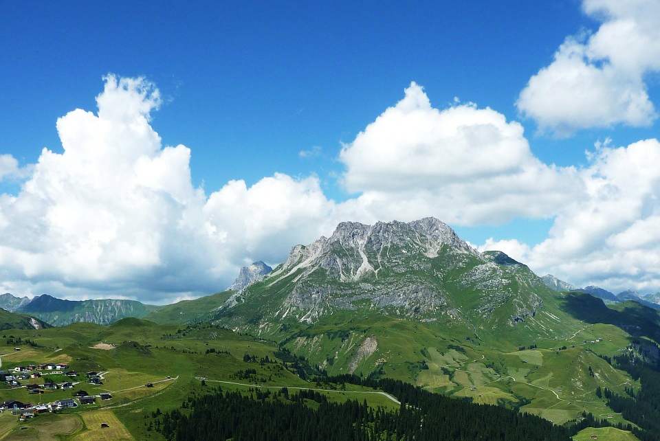 lech-am-arlberg-225616_1280