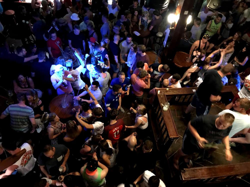 Ballermann Urlaub: Im Bierkönig
