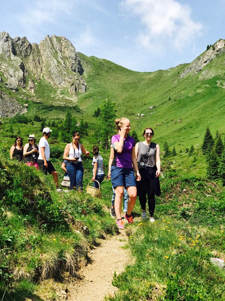Kräuterwanderung im Tal der Almen